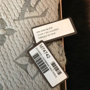 9661b06cec2da Louis Vuitton Accessories - Auth. Louis Vuitton Logomania Scarf W  box   bag